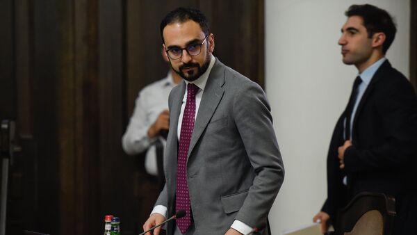 Вице-премьер Тигран Авинян на заседании правительства Армении (6 сентября 2018). Еревaн - Sputnik Армения