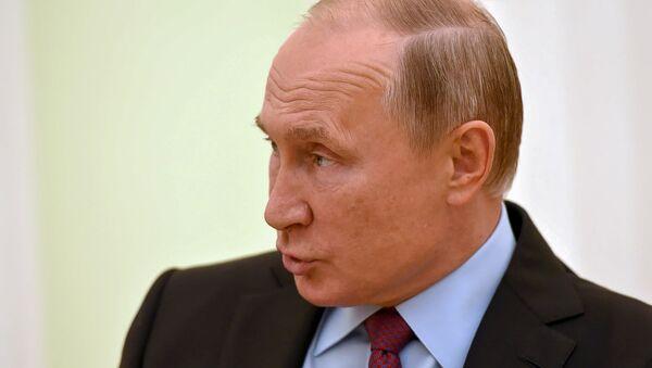 Президент России Владимир Путин во время встречи с премьер-министром Армении Николом Пашиняном (8 сентября 2018). Москвa - Sputnik Армения