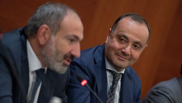 Премьер-министр Армении Никол Пашинян встретился с армянскими предпринимателями (8 сентября 2018). Москвa - Sputnik Армения