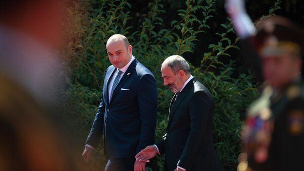 Встреча премьер-министра Армении Никола Пашиняна и премьер-министра Грузии Мамуки Бахтадзе (10 сентября 2018). Еревaн - Sputnik Արմենիա