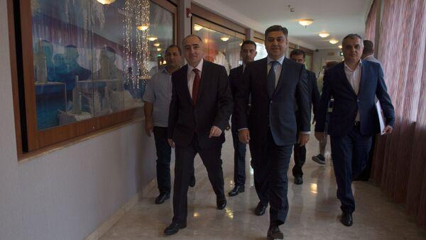 Пресс-конференция главы СНБ Артура Ванецяна и главы специальной следственной службы Сасуна Хачатряна - Sputnik Армения