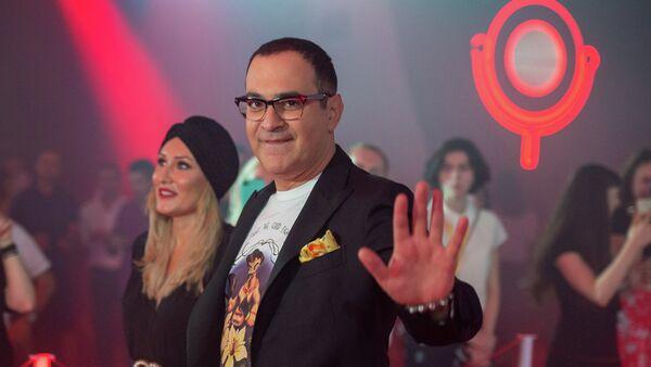 Гарик Мартиросян и Жанна Левина на красной дорожке Comedy Club (15 сентября 2018). Еревaн - Sputnik Արմենիա