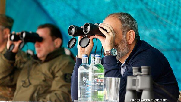 Рабочий визит премьер-министра Армении Никола Пашиняна в Карабах (18 сентября 2018). - Sputnik Արմենիա