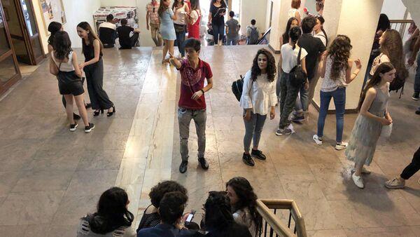 Акция протеста в гос.институте театра и кино (19 сентября 2018). Еревaн - Sputnik Արմենիա