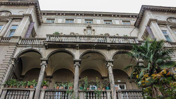 Исторический дом, в котором жил Филипп Махарадзе и другие известные люди - Sputnik Армения