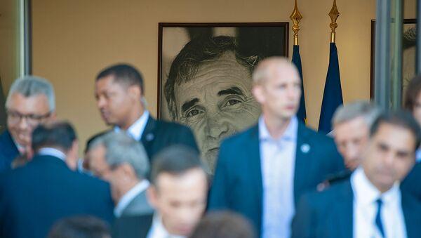 Посетители в центре Шарля Азнавура (11 октября 2018). Еревaн - Sputnik Արմենիա