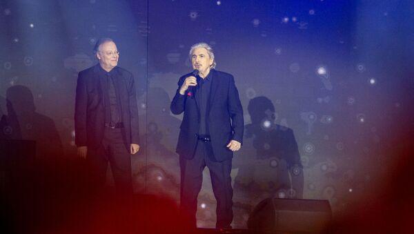 Гала-концерт на площади Республики в рамках Франкофонии (11 октября 2018). Еревaн - Sputnik Արմենիա