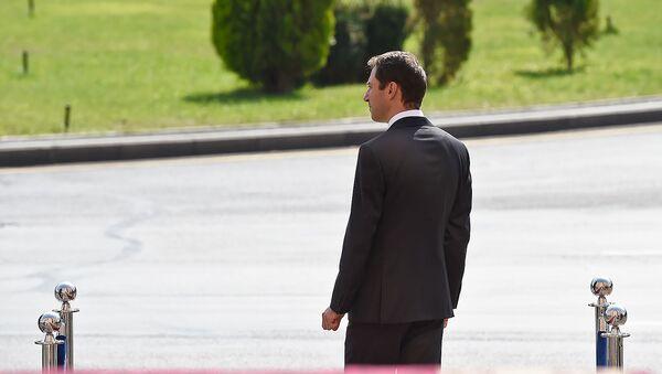 Мэр Еревана Айк Марутян в ожидании гостей церемонии инаугурации (13 октября 2018). Еревaн - Sputnik Արմենիա