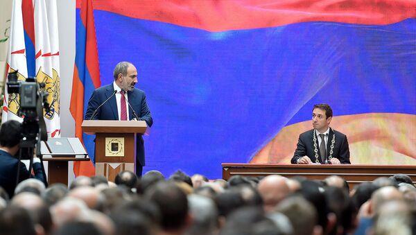 Речь премьер-министра Армении Никола Пашиняна на инаугурации мэра Еревана (13 октября 2018). Еревaн - Sputnik Արմենիա