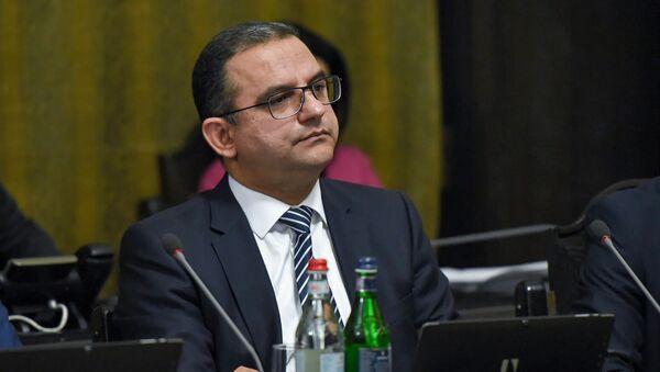 Министр экономического развития и инвестиций Тигран Хачатрян на заседании Правительства Армении (16 октября 2018). Еревaн - Sputnik Армения