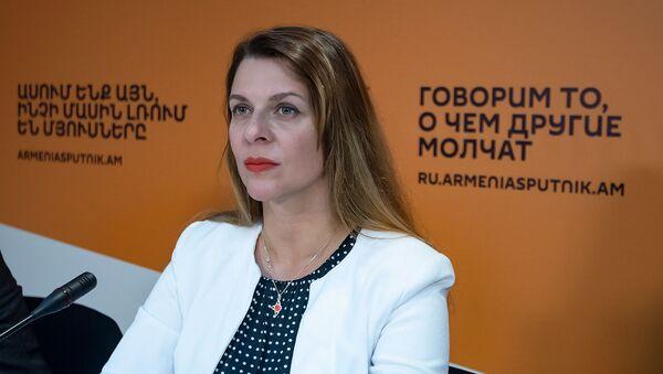 Елена Шуваева-Петросян - Sputnik Армения