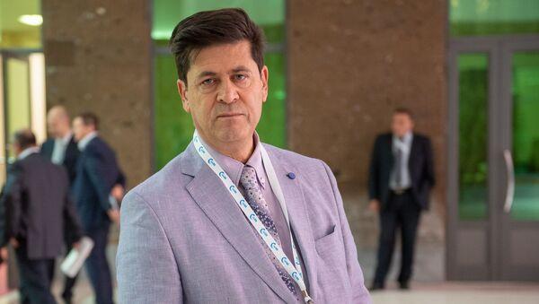 Представитель Торгово-промышленной палаты Армении в Иране Реза Нафези на международном форуме Евразийская неделя (23 октября 2018). Еревaн - Sputnik Արմենիա