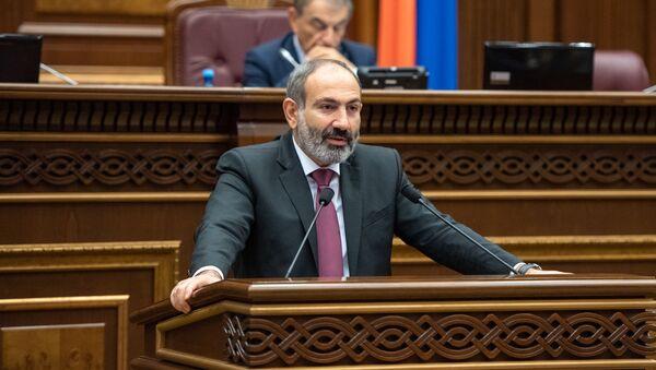 И.о. премьер-министра Никол Пашинян на внеочередном заседании Парламента Армении (24 октября 2018). Еревaн - Sputnik Армения