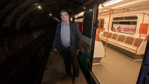 Машинист ереванского метро Ашот Еремян - Sputnik Արմենիա