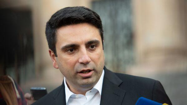 Ален Симонян после заседания Национального Собрания РА (1 ноября 2018). Ереван - Sputnik Արմենիա