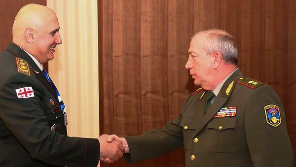 Начальник ГШ ВС Грузии и заместитель начальника ГШ ВС Армении Энрико Априамов - Sputnik Армения