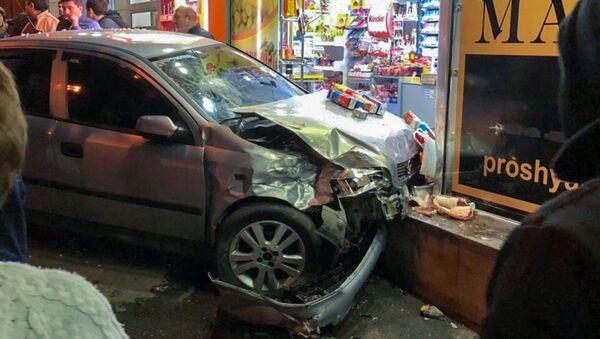 Автомобильная авария на проспекте Маршала Баграмяна - Sputnik Արմենիա