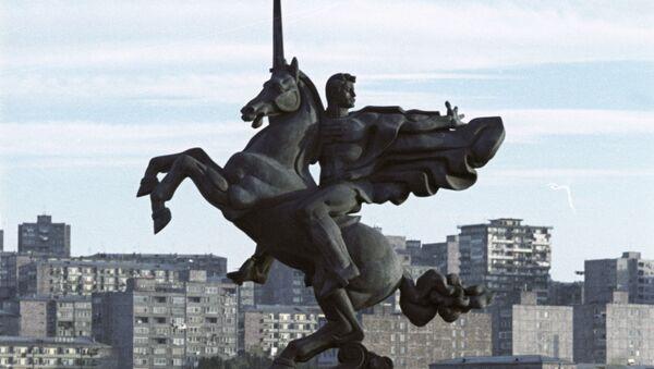 Памятник Гаю Бжишкянцу, Ереван - Sputnik Արմենիա