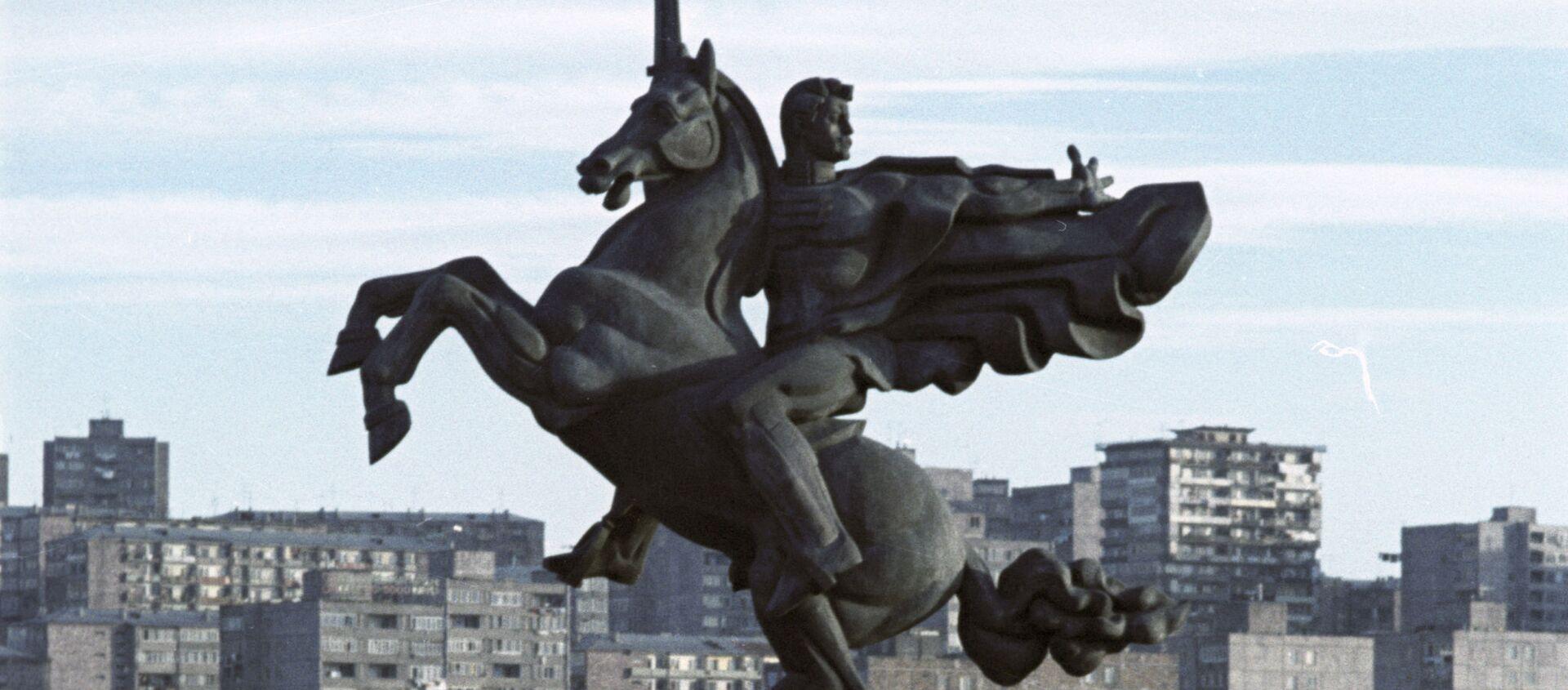 Памятник Гаю Бжишкянцу, Ереван - Sputnik Արմենիա, 1920, 29.03.2021