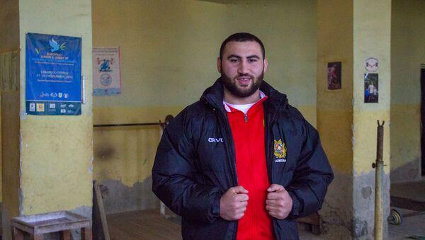 Чемпион мира по тяжелой атлетике 2018 Симон Мартиросян - Sputnik Արմենիա