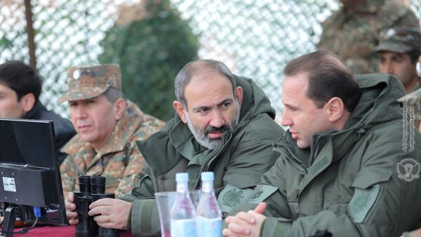 И.о. премьер-министра Никол Пашинян посетил боевую позицию одной из войсковой части (16 ноября 2018). Армения - Sputnik Արմենիա