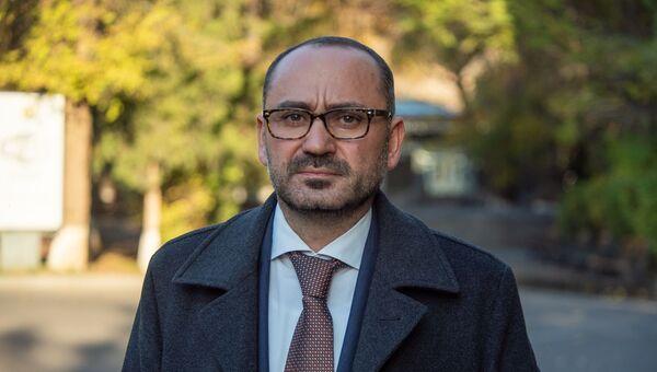 Директор еревaнского зоопарка Рубен Хачатрян - Sputnik Արմենիա