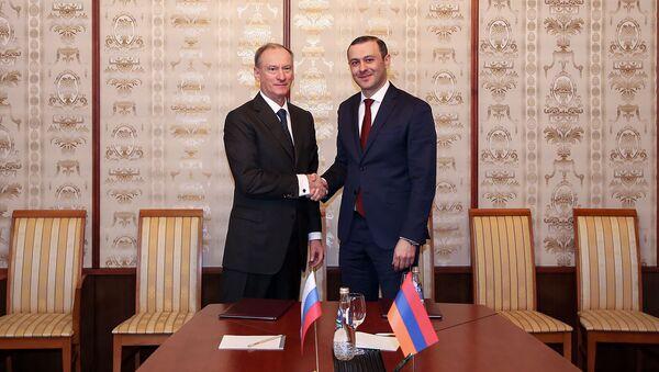 Секретари Совбезов России и Армении обсудили сотрудничество в сфере ВТС (21 ноября 2018). Москвa - Sputnik Արմենիա