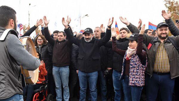Субботнее шествие Никола Пашиняна (24 ноября 2018). Еревaн - Sputnik Արմենիա
