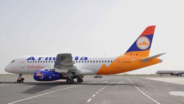Самолет Сухой Суперджет 100 авиакомпании Армавиа - Sputnik Արմենիա