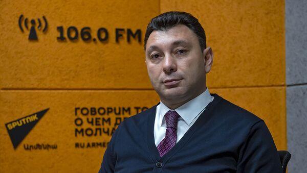 Эдуард Шармазанов - Sputnik Արմենիա