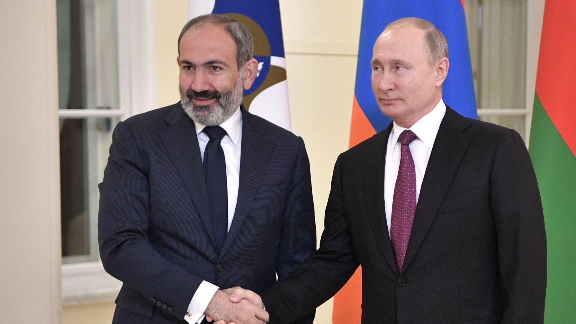 Премьер-министр Армении Никол Пашинян и президент России Владимир Путин - Sputnik Армения, 1920, 13.10.2021