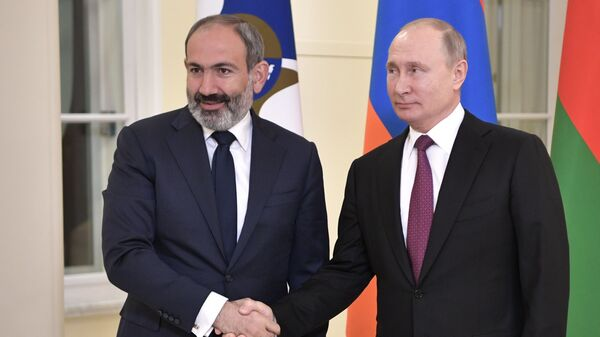 Премьер-министр Армении Никол Пашинян и президент России Владимир Путин - Sputnik Армения