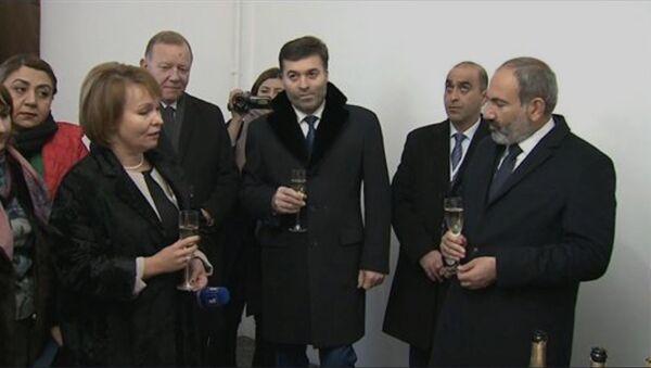 И.о. премьер-министра Никол Пашинян присутствовал на открытии нового здания Ген.консульства Армении в Санкт-Петербурге - Sputnik Армения
