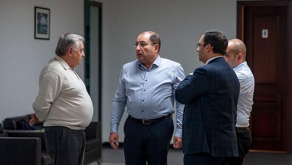 Адвокаты Роберта Кочаряна перед началом пресс-конференции (7 декабря 2018). Еревaн - Sputnik Армения
