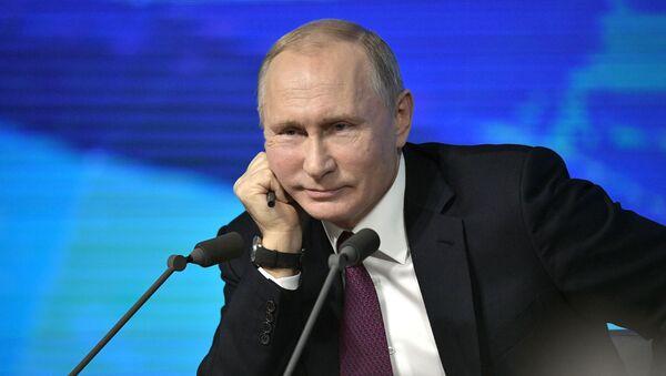 Президент России Владимир Путин во время ежегодной большой пресс-конференции (20 декабря 2018). Москвa - Sputnik Արմենիա