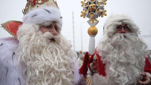 Встреча российского Деда Мороза и финского Йоулупукки - Sputnik Армения