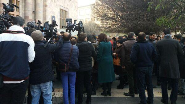 Акция протеста сотрудников Минкульта в связи с упразднением министерства  - Sputnik Արմենիա