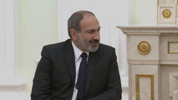 Встреча и.о. премьер-министра Армении Никола Пашиняна и президента России Владимира Путина - Sputnik Армения