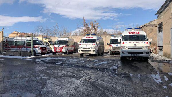 Гараж автомобилей скорой медицинской помощи в Гюмри - Sputnik Արմենիա
