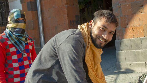 Индийский студент Анкуш Кумар, работающий на стройке в Армении - Sputnik Армения