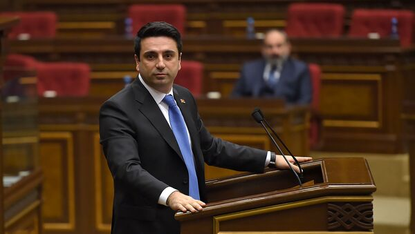 Выступление Алена Симоняна во время первого заседания парламента Армении 7-го созыва (14 января 2019). Еревaн - Sputnik Արմենիա