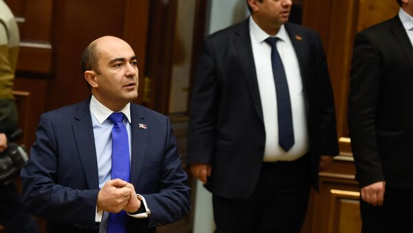 Руководитель фракции Просвещенная Армения Эдмон Марукян на заседании парламента Армении (15 января 2019). Еревaн - Sputnik Армения