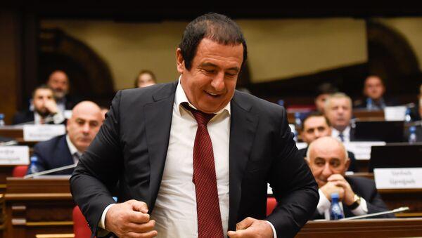 Руководитель фракции Процветающая Армения Гагик Царукян на заседании парламента Армении (15 января 2019). Еревaн - Sputnik Արմենիա