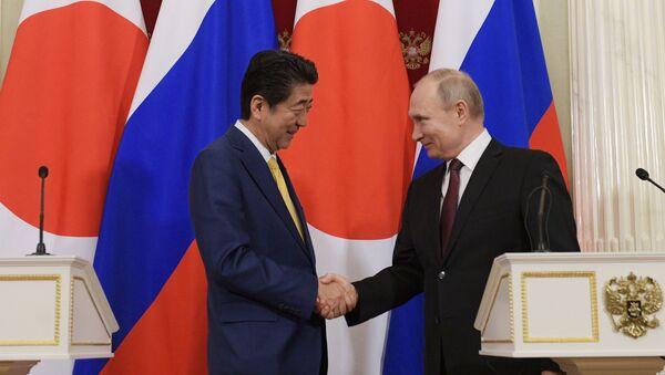 Президент РФ В. Путин встретился с премьер-министром Японии С. Абэ - Sputnik Армения