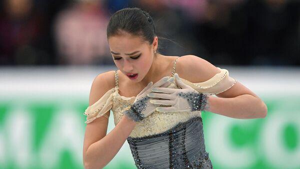 Алина Загитова выступает в короткой программе женского одиночного катания на чемпионате Европы по фигурному катанию в Минске - Sputnik Армения