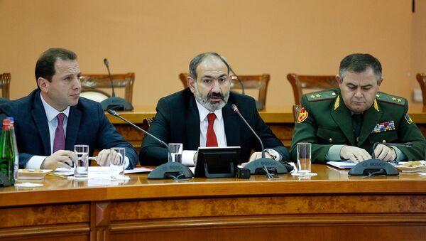 Премьер-министр Никол Пашинян посетил министерство обороны Армении (26 января 2019). Еревaн - Sputnik Արմենիա