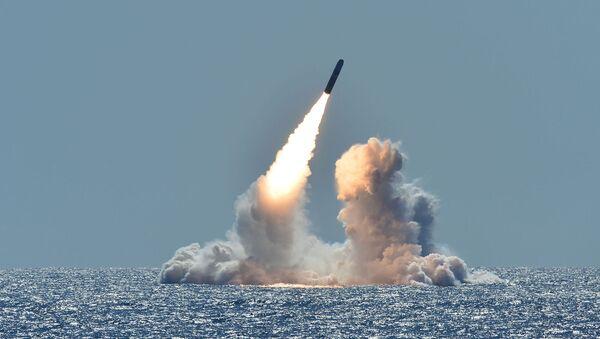 Запуск американской трёхступенчатой твердотопливной баллистической ракеты Трайдент - Sputnik Армения