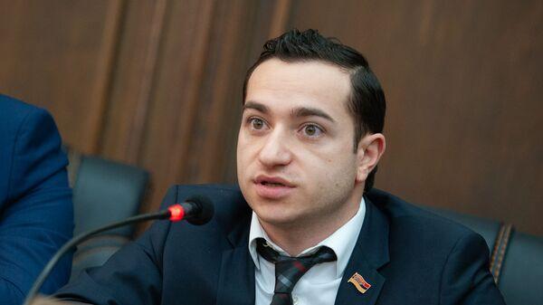 Мхитар Айрапетян - Sputnik Արմենիա