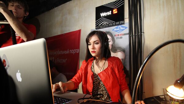 Актриса Саша Грей играет DJ-сет в Main Bar в Москве - Sputnik Армения