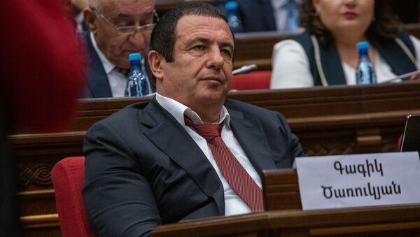Руководитель фракции Процветающая Армения Гагик Царукян на внеочередном заседании парламента Армении (12 февраля 2019). Еревaн - Sputnik Армения